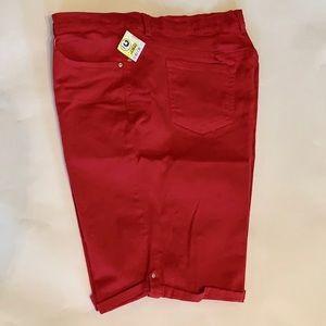 Red GLORIA Vanderbilt Shorts